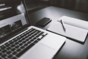 iphone notebook pen working 300x200 - iphone-notebook-pen-working